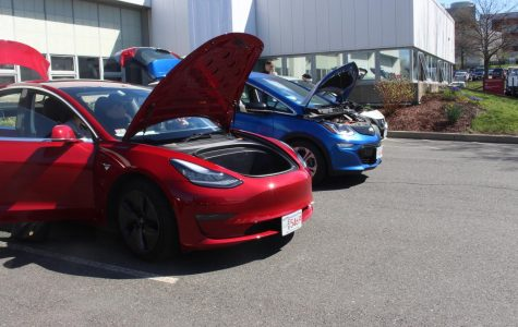 Electric Vehicle Ride and Drive allows public to get behind wheel at UMass