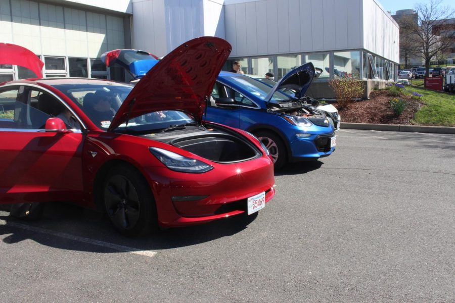 Electric+Vehicle+Ride+and+Drive+allows+public+to+get+behind+wheel+at+UMass