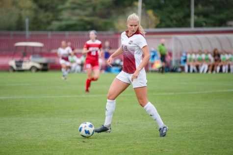 Second-half struggles sink UMass against Holy Cross