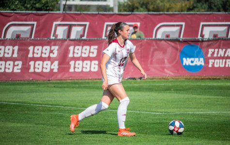 Another late rally provides UMass women's soccer with 4-3 victory over St. Joe's
