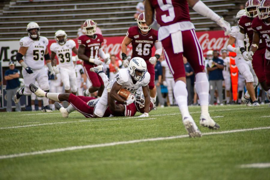 UMass' defense comes through in win versus Akron