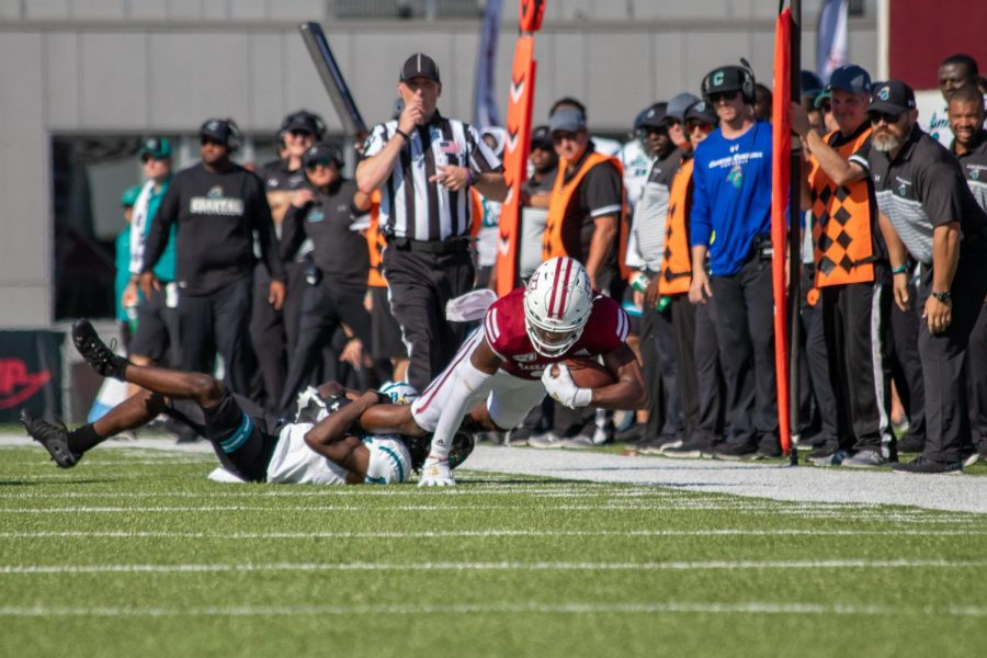 UMass football manhandled by Coastal Carolina for fourth straight loss