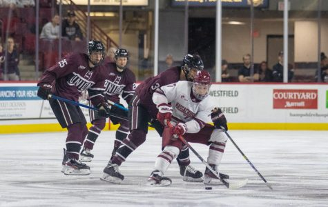 No. 4 UMass explodes at home, downs Union 6-1 to open weekend series