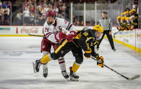 Penalty kill pushes UMass hockey to late win over AIC at Mullins