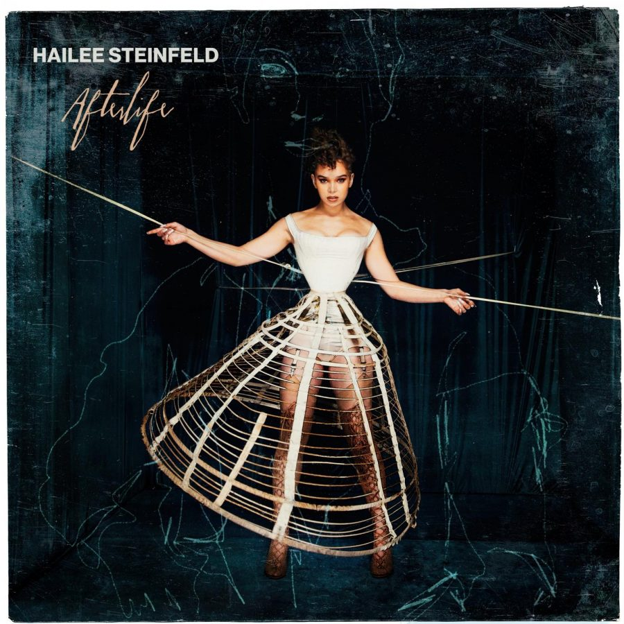 Courtesy+of+Hailee+Steinfeld%27s+official+Facebook+page