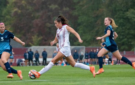 Bonavita provides spark for UMass women's soccer in 4-2 victory over La Salle