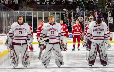 Heading into opener, starting goaltending still remains up in the air for UMass Hockey