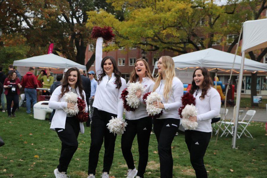 麻州大学在校学生、校友以及安城社区居民共聚返校日派对