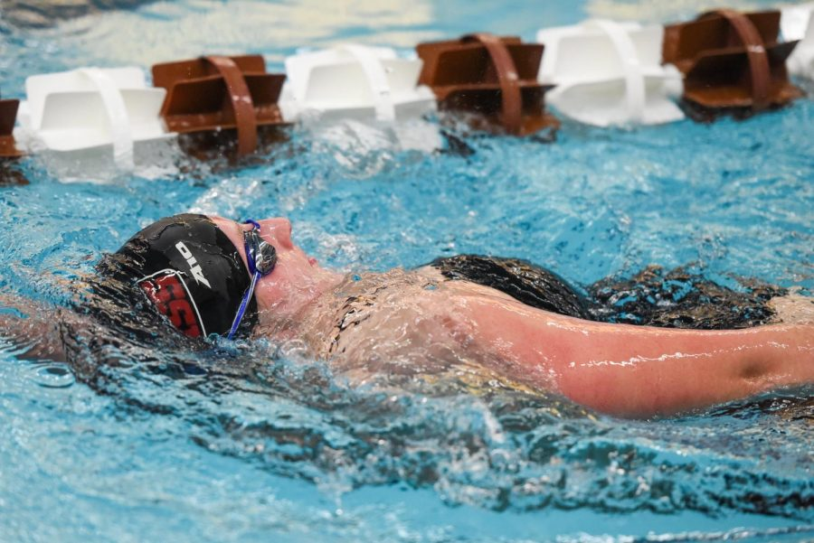 Swim and Dive: Men's and Women's both finish 1-1 for the weekend