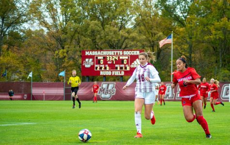 UMass women's soccer strikes late to take a 1-0 victory over Davidson