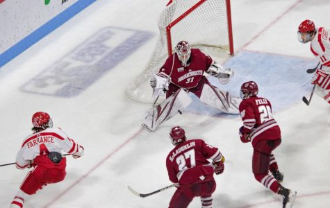 UMass shows resiliency in 4-3 loss Friday night