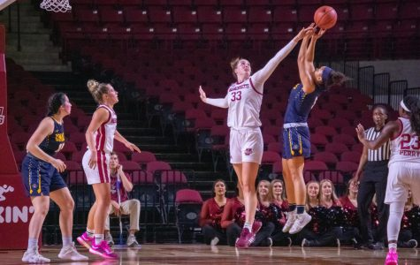 Maeve Donnelly brings height to a shallow UMass frontcourt