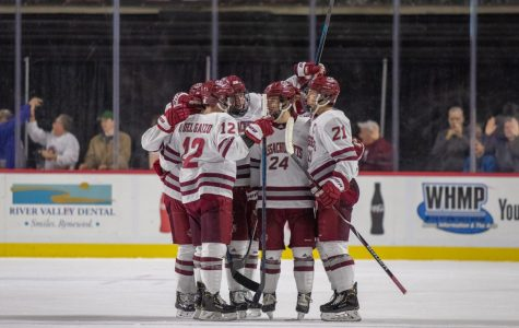 After Sunday's stumble, No. 5 UMass looks to battle it out against Boston University