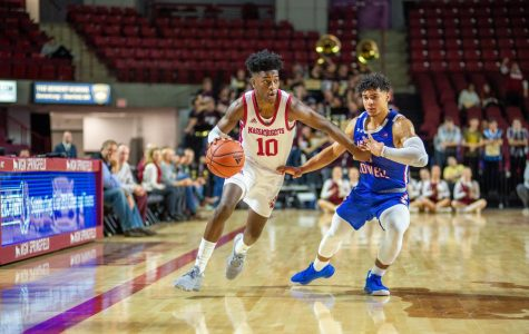 UMass men's basketball opens up season with commanding win over UMass Lowell