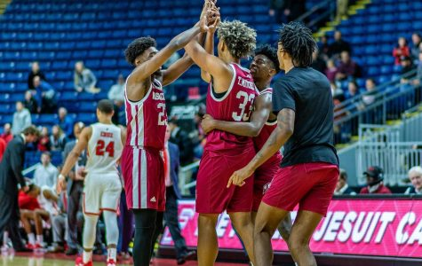 Strong performances from TJ Weeks, Tre Mitchell guide UMass over Fairfield