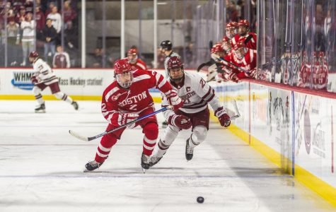 Two goals from Mitchell Chaffee will UMass to crucial Hockey East win