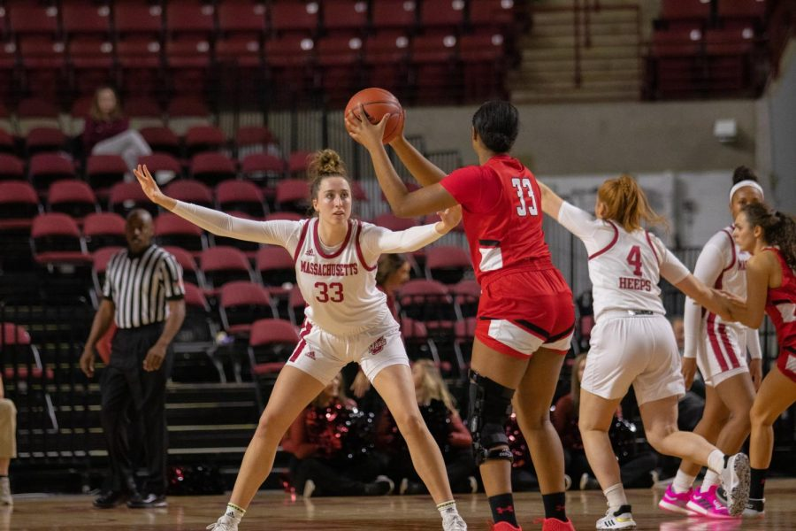 Minutewomen jump out to 17-0 lead en route to 74-48 win over Hartford