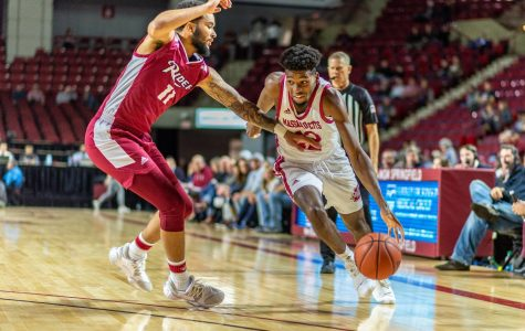 Carl Pierre, TJ Weeks torch Rider, combine for 44 in UMass win