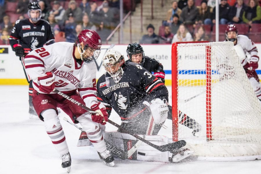 No.+3+UMass+overcomes+early+deficit%2C+downs+No.+10+Northeastern+on+the+road