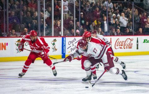 No. 7 UMass hockey looks to gain ground in Hockey East with series against Merrimack