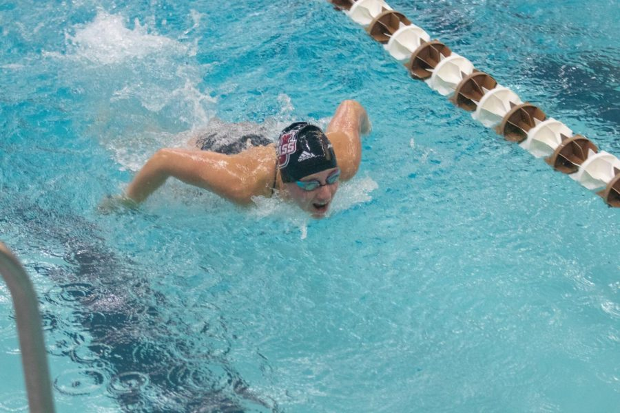 Swim and Dive: Minutewomen fall to 4-2 after 141-140 loss to URI