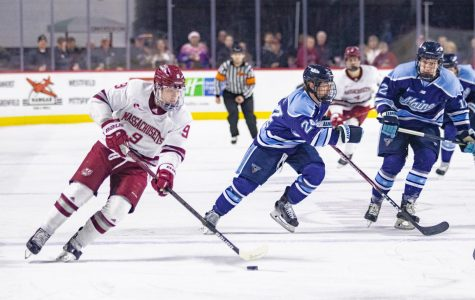 No. 11 UMass uses three-goal second period to catapult them past Maine 4-1