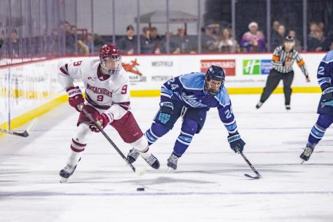 UMass hockey riding the wave of Ryan Wischow