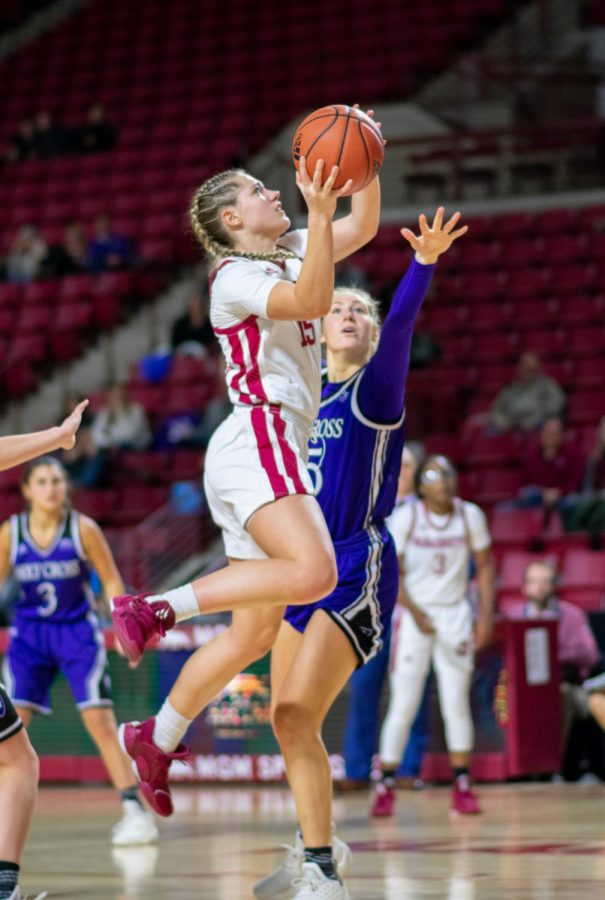 UMass women's basketball caps off undefeated December with dominant 86-43 victory over Southern Connecticut State
