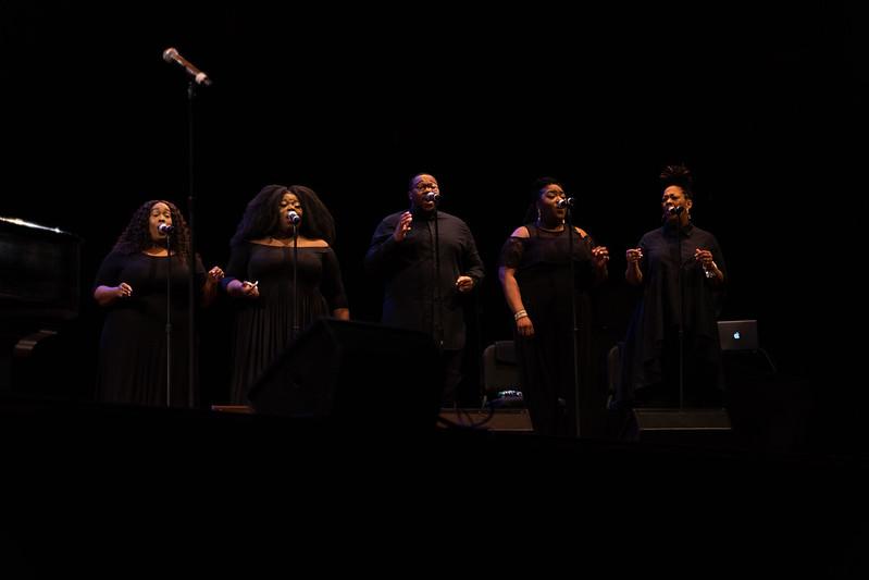 El Fine Arts Center de UMass realizó una presentación de música afroamericana y activismo por los derechos civiles