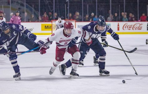 No. 7 UMass unable to score the ugly goal in Friday's loss against UNH
