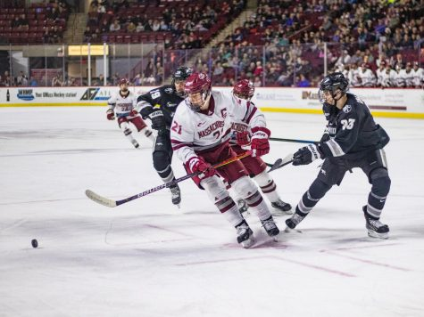 UMass football gives up 58 points in shootout loss to Ohio