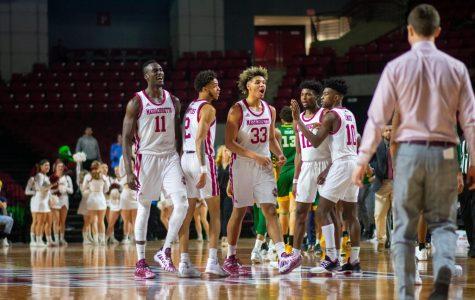 UMass men's basketball looking to upset No. 6 Dayton at home