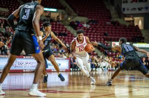 UMass men's basketball tops Fordham to break 22-game A-10 road skid