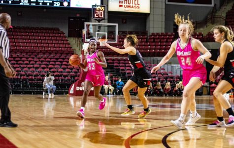 With her grandmother on her mind, Perry has a career day in win over Davidson