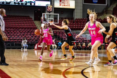 49ers too much for Minutewomen