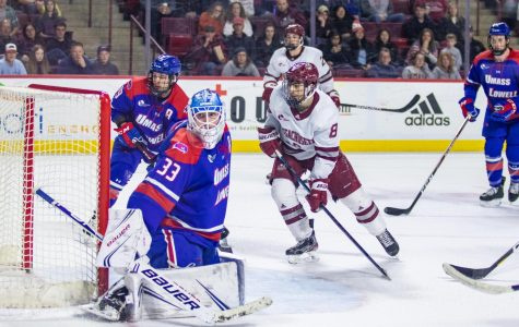 UMass edges out UMass Lowell 5-3 in Saturday night thriller