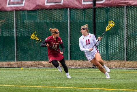 Frisk lifts UMass in 78th minute as Minutewomen edge Siena 3-2