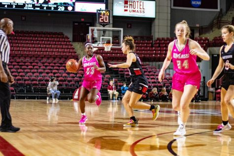 It was a tale of two halves as UMass defeats Saint Joseph's 51-47