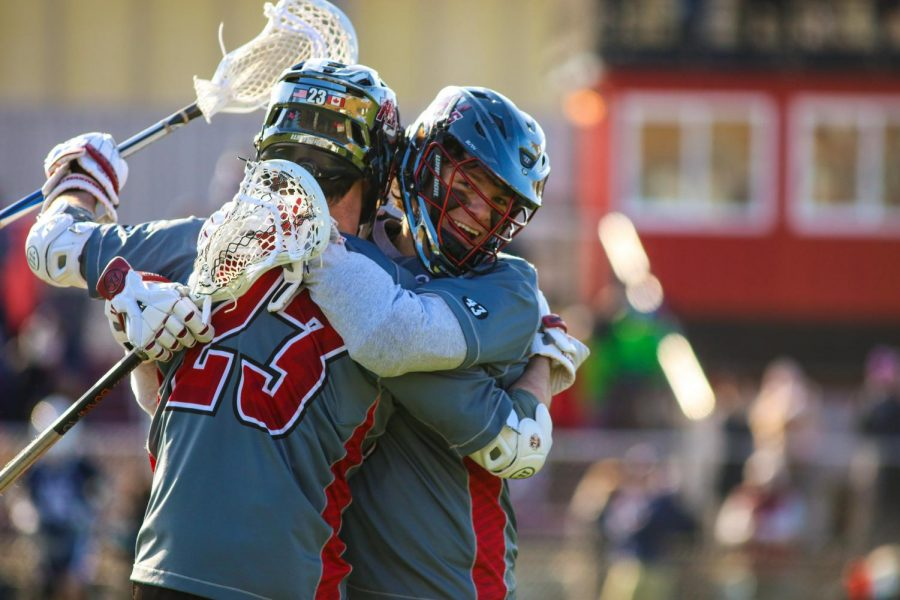 UMass holds on for upset of No. 1 Yale