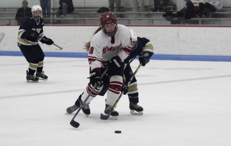 UMass women's hockey dominates late against Penn State