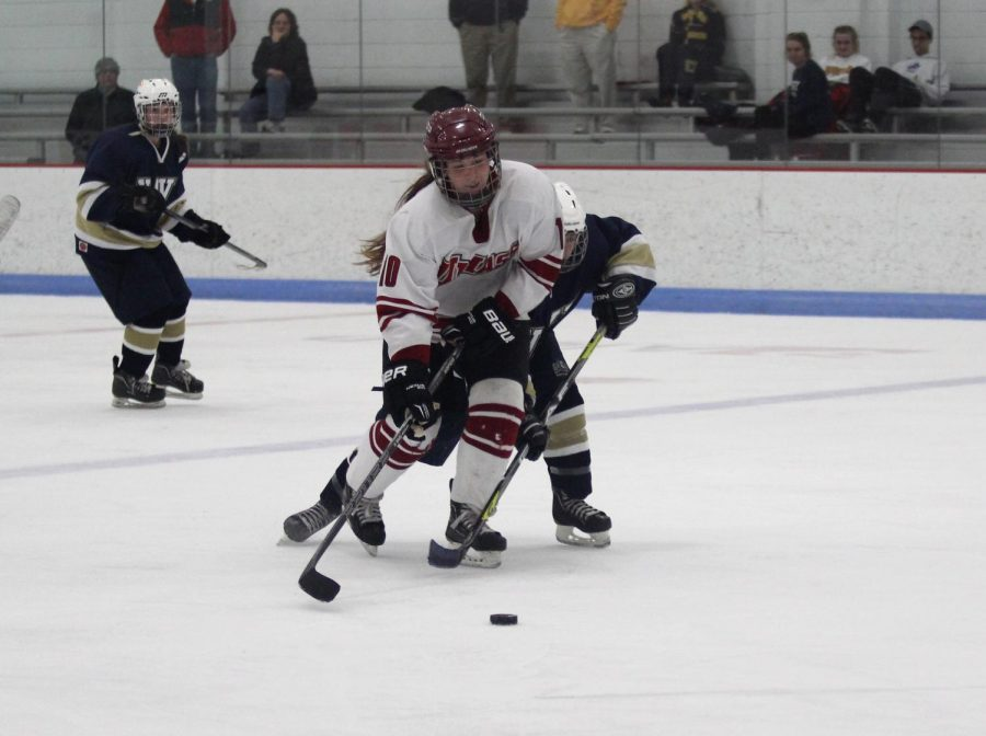 UMass women's hockey dominates late against Penn State