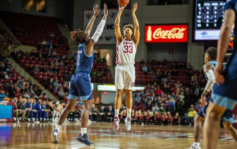 UMass men's basketball loses thriller to URI to close out regular season