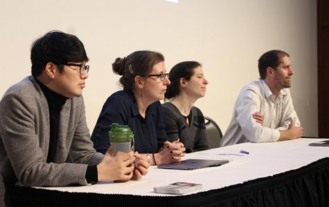 Scholars dissect COVID-19 at Amherst College roundtable