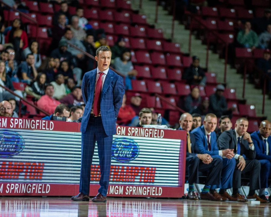 UMass loses weekend finale to Northeastern 78-75, splits home-and-home series