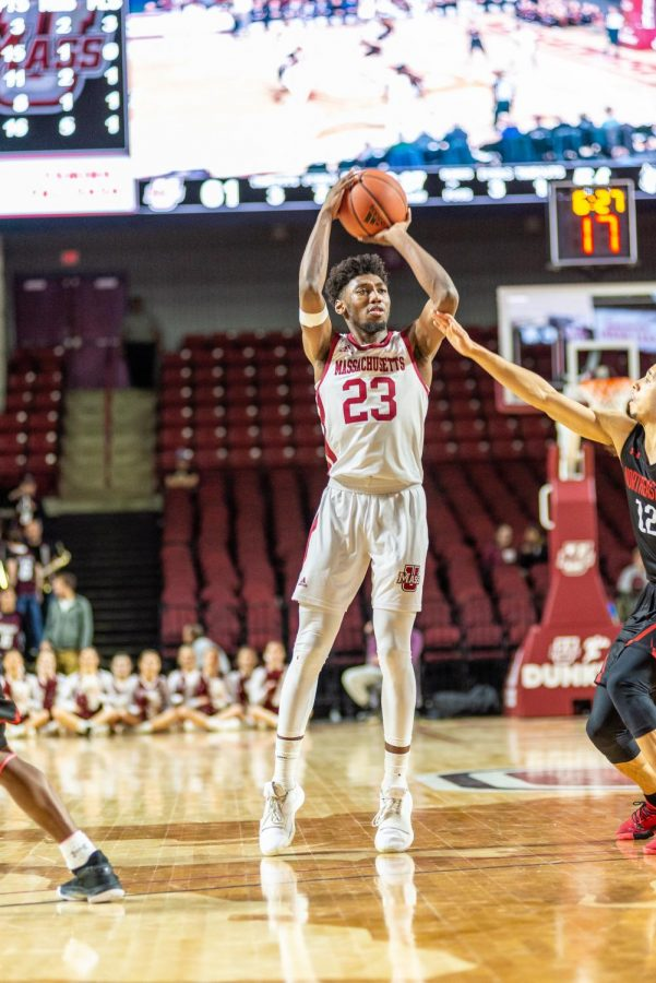 UMass men's basketball struggling with 3-point shooting so far this season