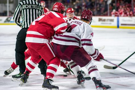 UMass' miscues prove too much to overcome in 4-2 loss to BU
