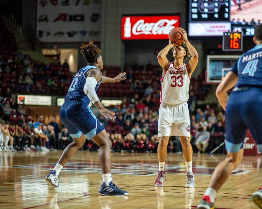 Three-point shooting key in UMass' dominant win over Fordham