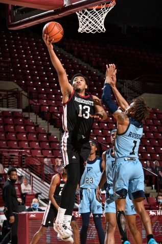 Ronnie DeGray III headlines UMass win over Rhode Island with career-high 21 points